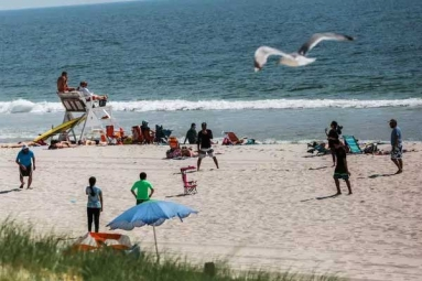 75 Percent of New Jerseyans Opposes Smoking on Public Beaches